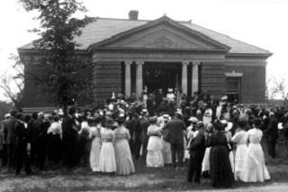 1914 dedication of the Soldier's Memorial and Philbrick-James Library